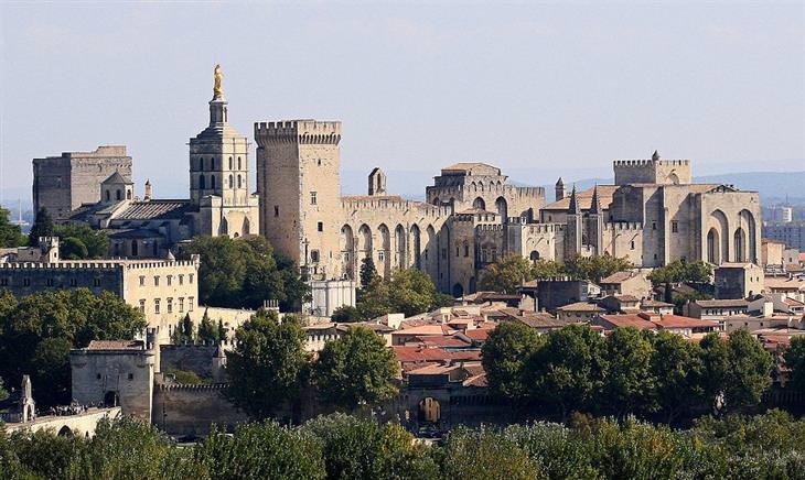 ארמון האפיפיורים