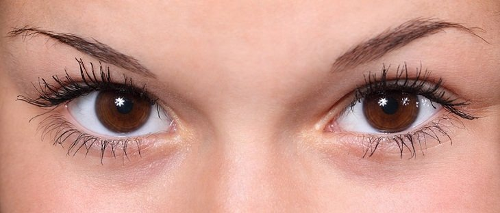 טכניקות מדיטציה מקוריות: עיניים של אישה