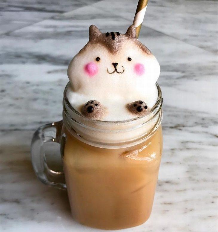 יצירות מקצף קפה עם דמויות תלת מימד של האומנית דפני טן