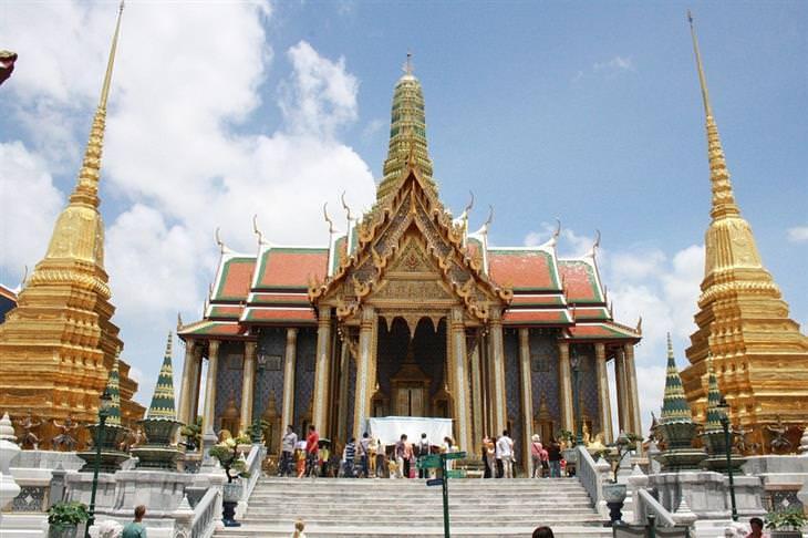 אתרים מומלצים בבנגקוק: ארמון מלך תאילנד