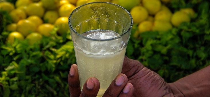 טריקים לניקוי כלי כסף: סודה לימון