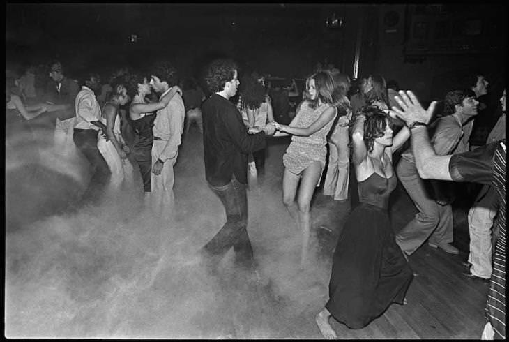 תמונות היסטוריות מעניינות: מסיבה בסטודיו 54 שבניו-יורק