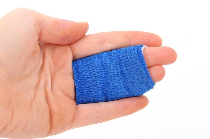 סימנים למחסור בחלבון: אצבעות חבושות