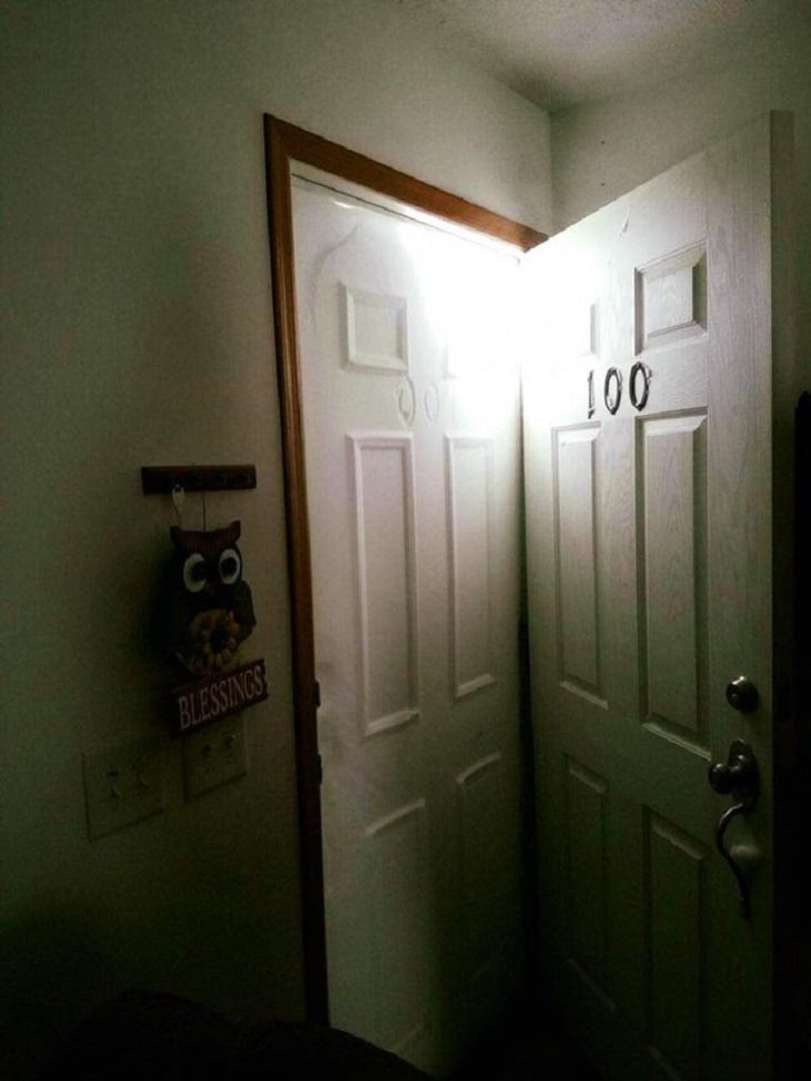 תמונות של איתני טבע: שלג מחוץ לדלת יצר תעתיק מדויק שלה