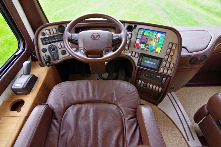 הקרוון היוקרתי בעולם: מושב הנהג ב- Volkner Performance S