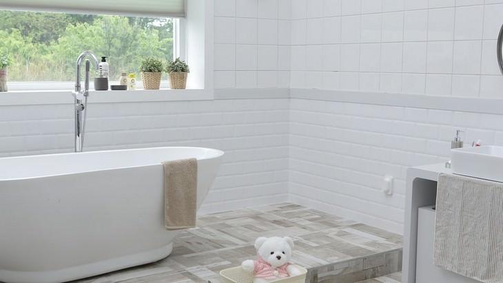 שימוש בשמנים אתריים ברחבי הבית: חדר אמבטיה