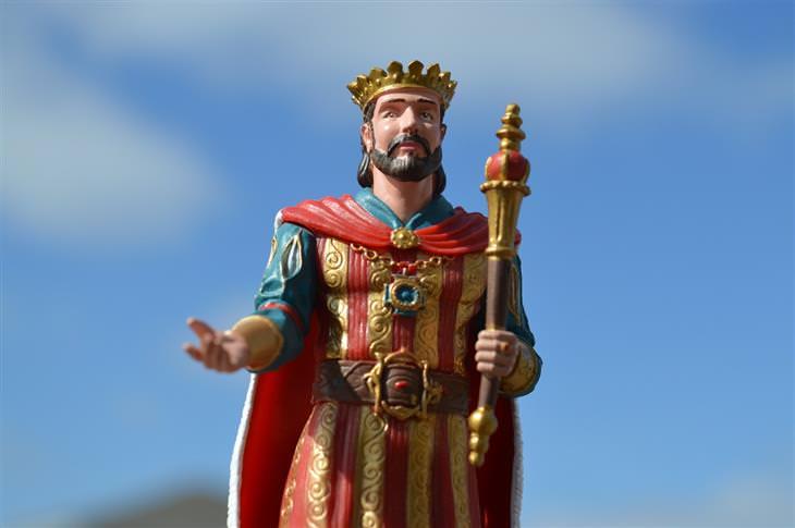 משל התוכי של המלך: בובה של מלך