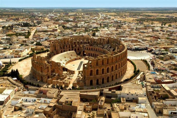 מקומות שכדאי לבקר ברחבי העולם: האמפיתיאטרון באל ג'ם