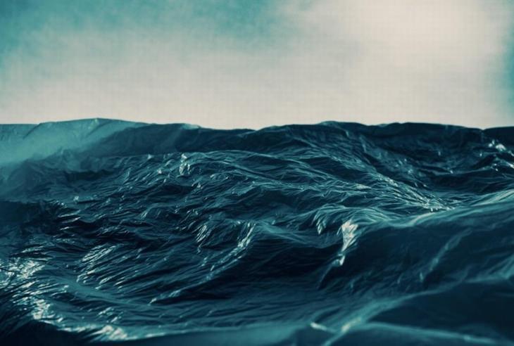 תמונות שצריך להסתכל עליהן פעמיים: שקית ניילון שנראית כמו לב ים