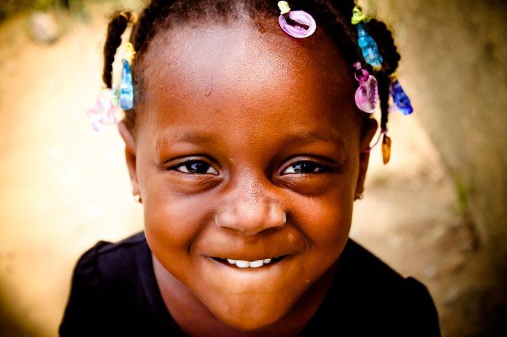 חדשות חיוביות מ-2017: ילדה אפריקאית