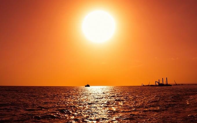בחן את עצמך בלועזית: שקיעה בים