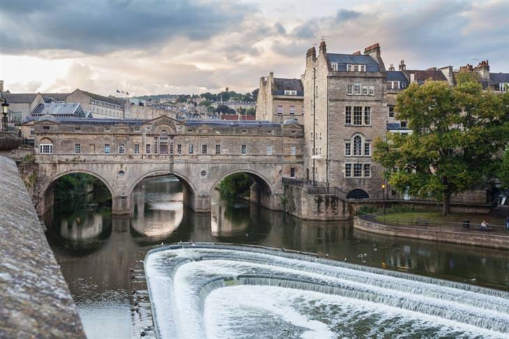 אתרי מורשת עולמית באנגליה: גשר בעיר באת'