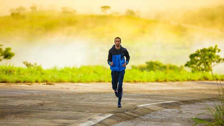 גבר רץ