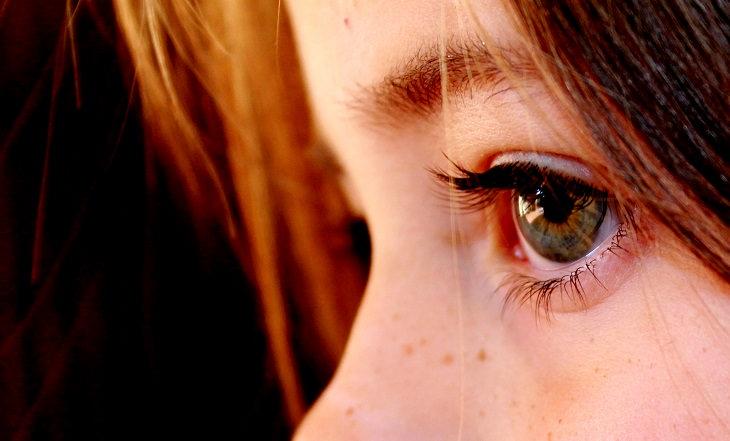 עיניים של ילדה