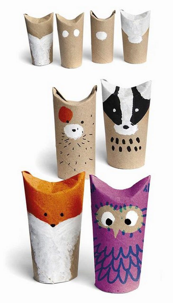 חיות צבועות מגלילי נייר טואלט ריקים