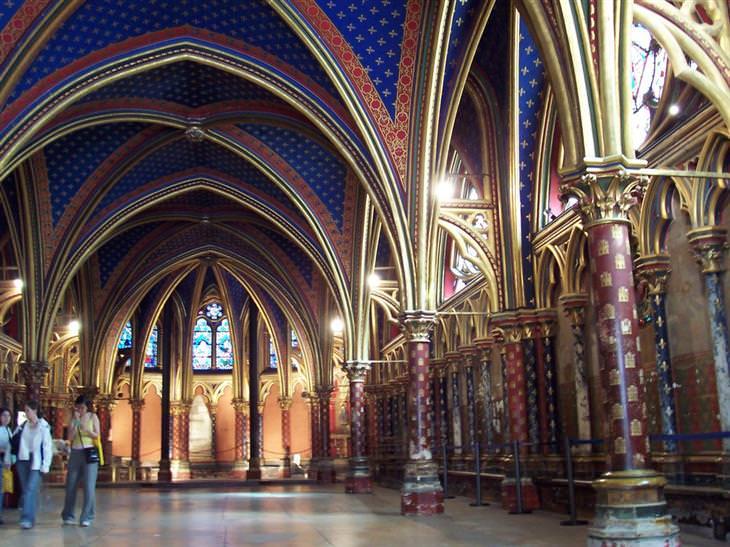 חלקה הפנימי של כנסיית סנט שאפל