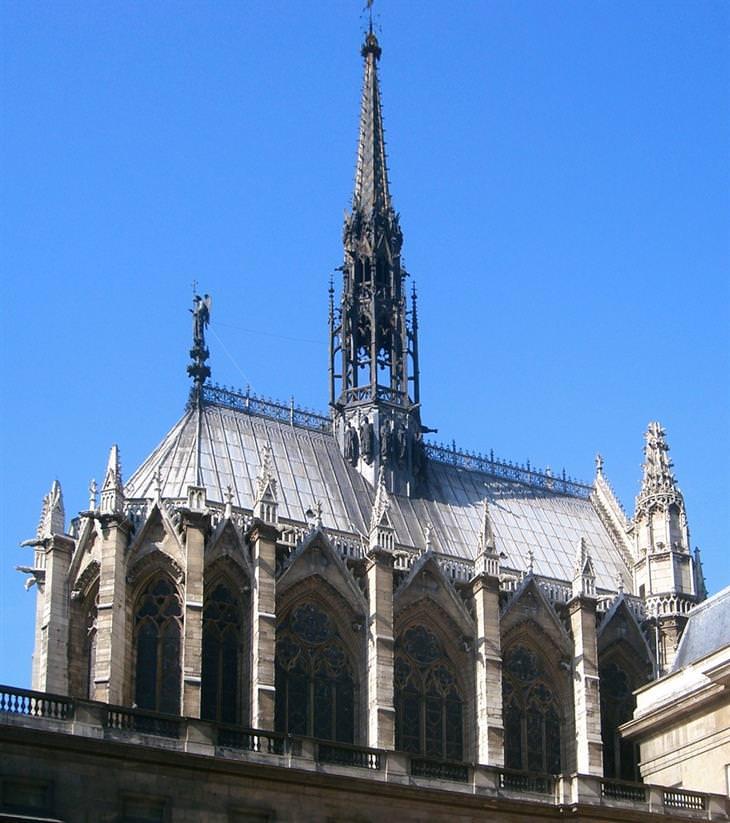 חלקה החיצוני של כנסיית סנט שאפל