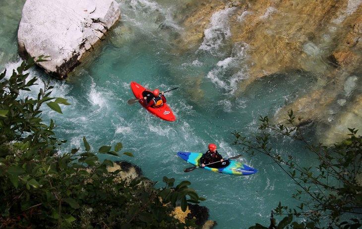קייקים בנהר סוצ'ה