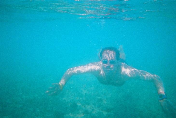 שחייה מתחת למים חופי וורדרו