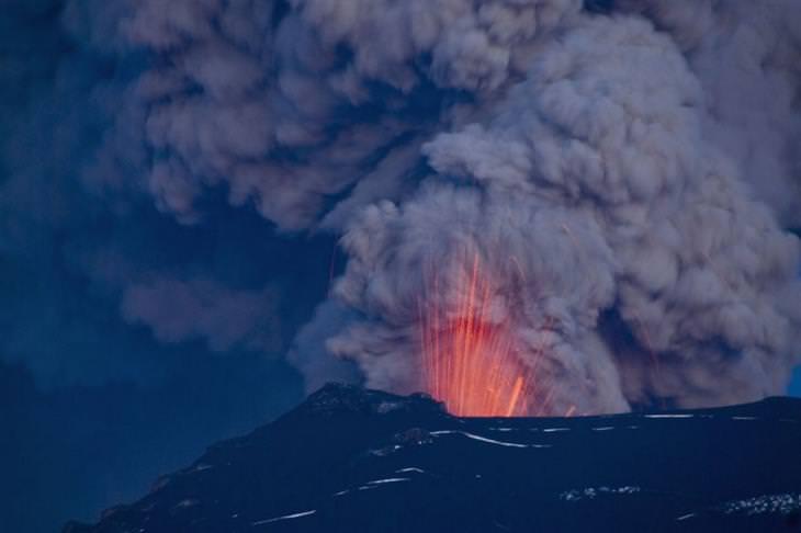 הר געש בעת התפרצות