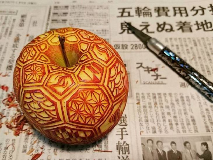 תפוח מגולף
