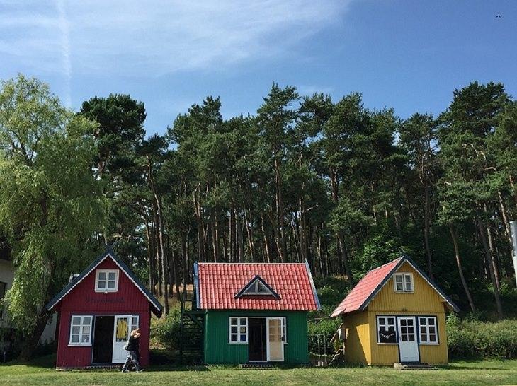בתים צבעוניים בנידה ליטא