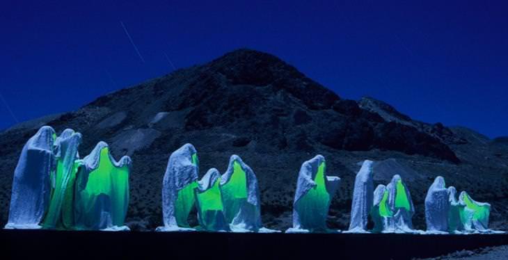 פסלים מפרי חוקי פיזיקה: הסעודה האחרונה בלילה
