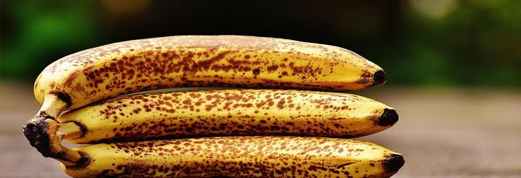 אשכול בננות בשלות