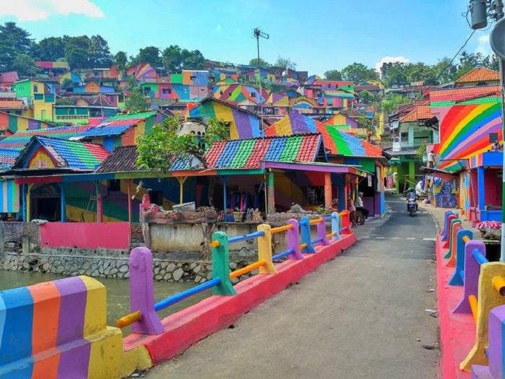 """כפר """"הקשת בענן"""" - קמפנג פלאנג'י באינדונזיה, אחרי המהפך בחזותו"""