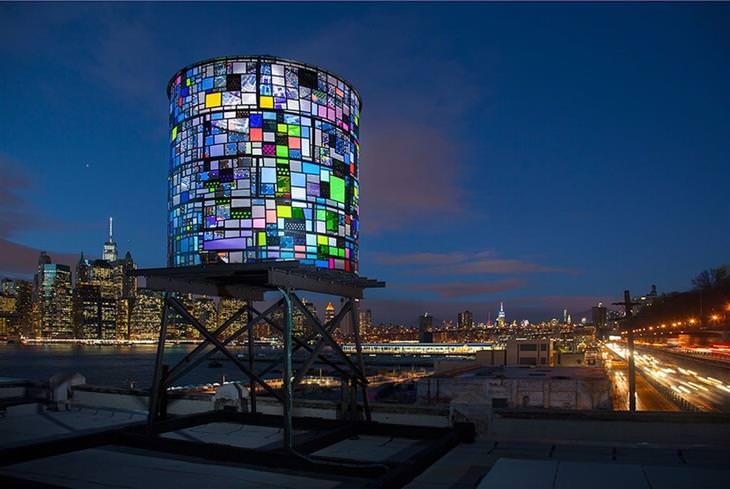 """מגדל מים על גג בניין – ניו יורק, ארה""""ב"""
