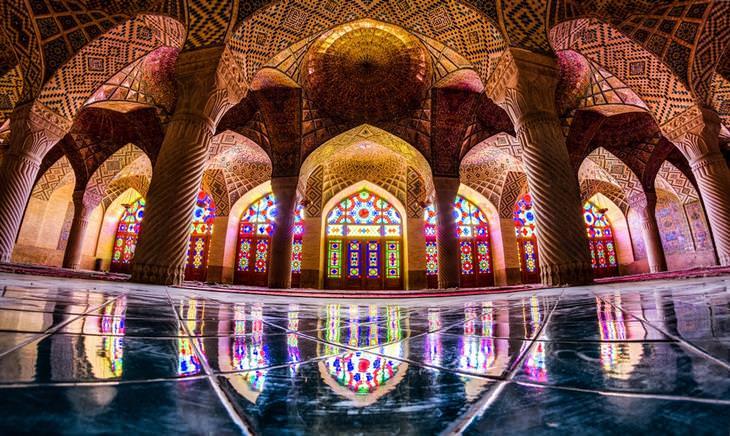 מסגד נאזיר אל-מולק, שיראז, איראן