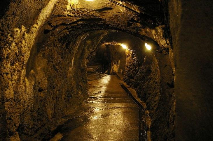 מערות קבורה של זנוז'מו