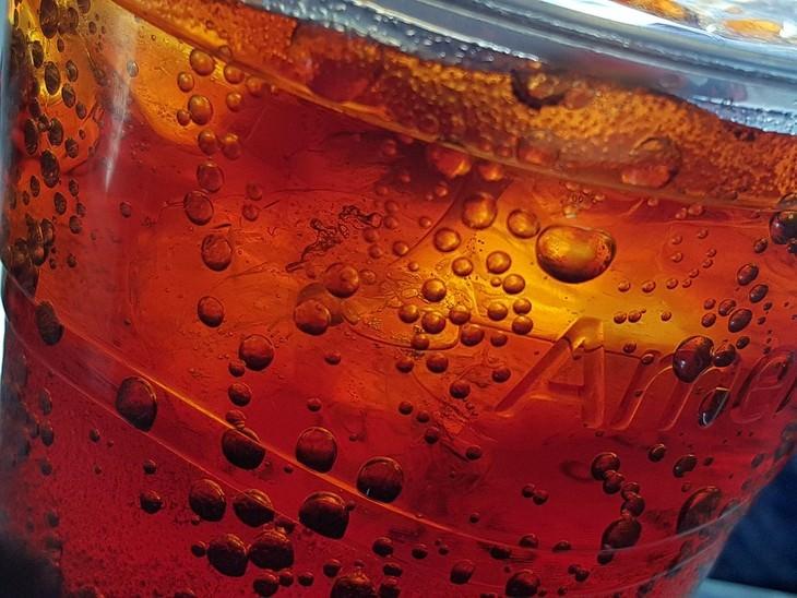כוס של משקה מוגז