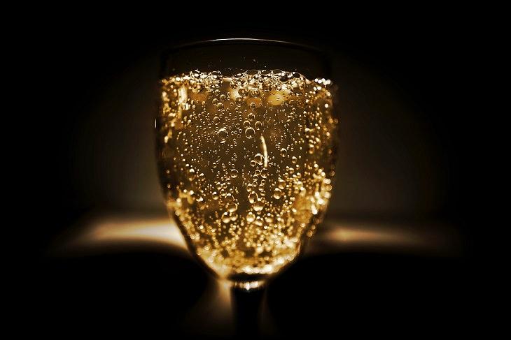 שמפניה מבעבעת