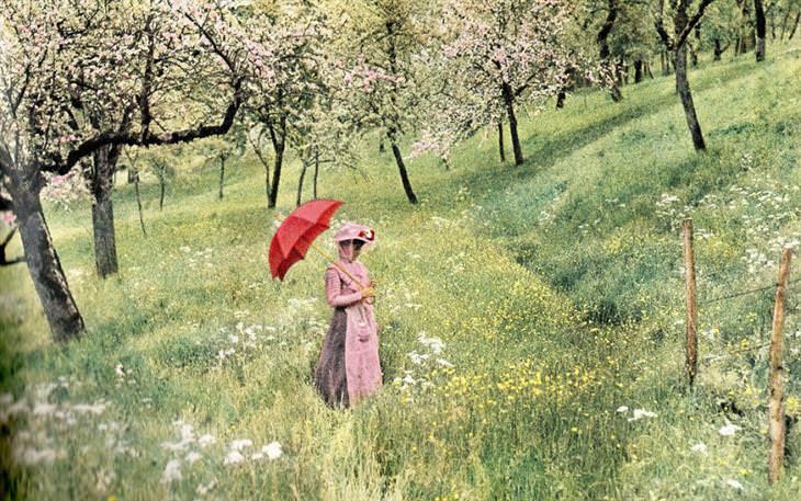 אישה מטיילת בשדות, 1907
