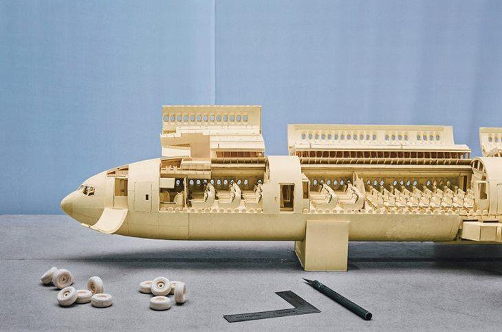 תהליך היצירה של דגם המטוס של לוקה יקוני סטיוארט