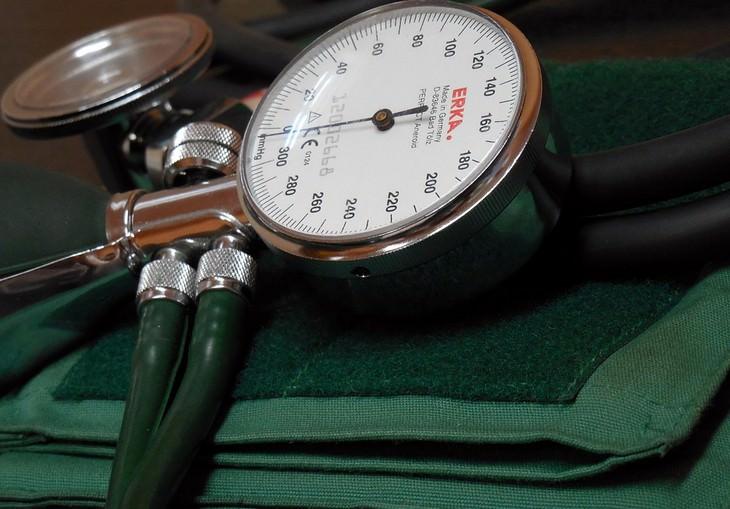 יתרונות חלב קינואה ומתכון: מד לחץ דם