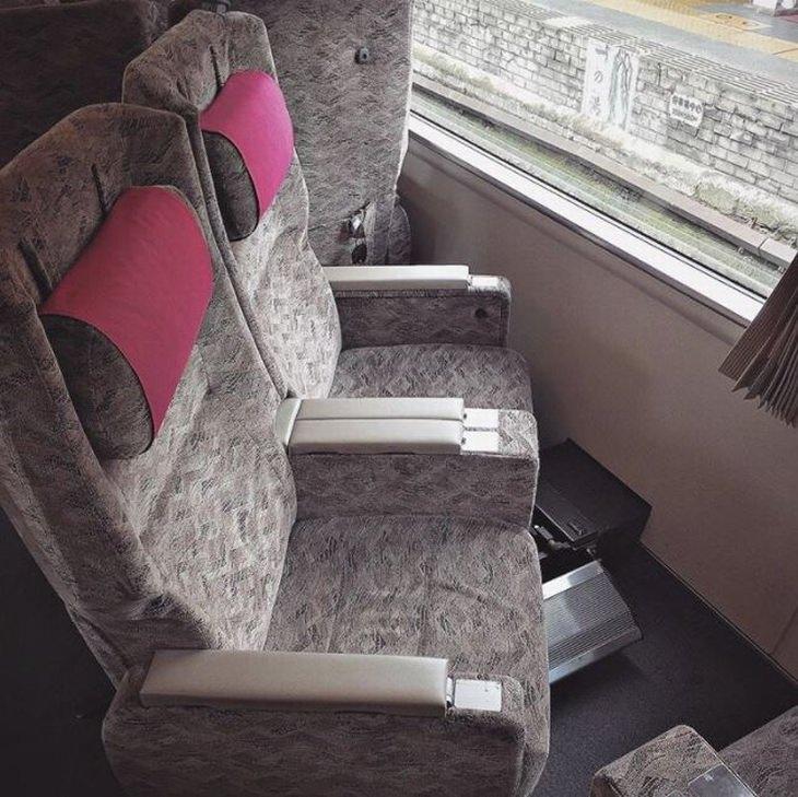 מושבים מסתובבים ברכבת