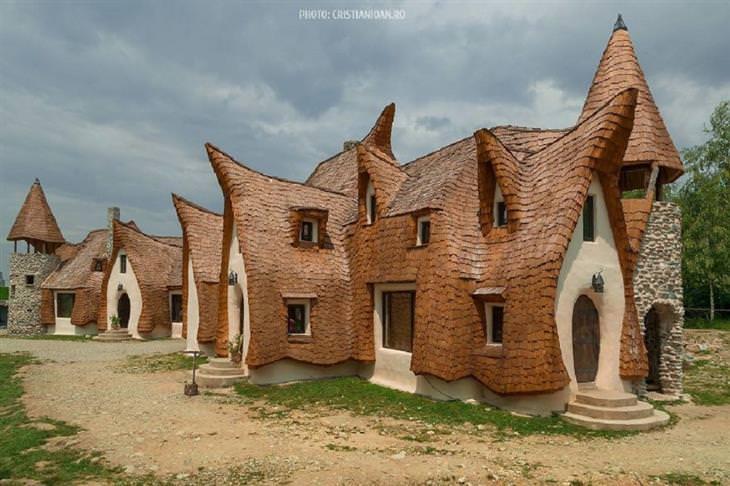 תמונות מרחבי רומניה: מלון חימר בעמק הפיות