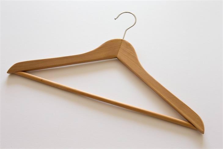 שימושים מקוריים של מוצרים: מתלה מעץ