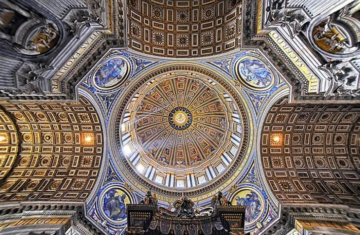 תקרות של כנסיות ברומא: בזיליקת פטרוס הקדוש