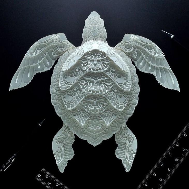 יצירת חיתוך נייר בצורת צב ים