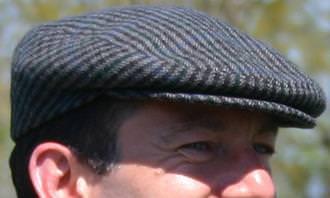 כובע מצחייה שטוח