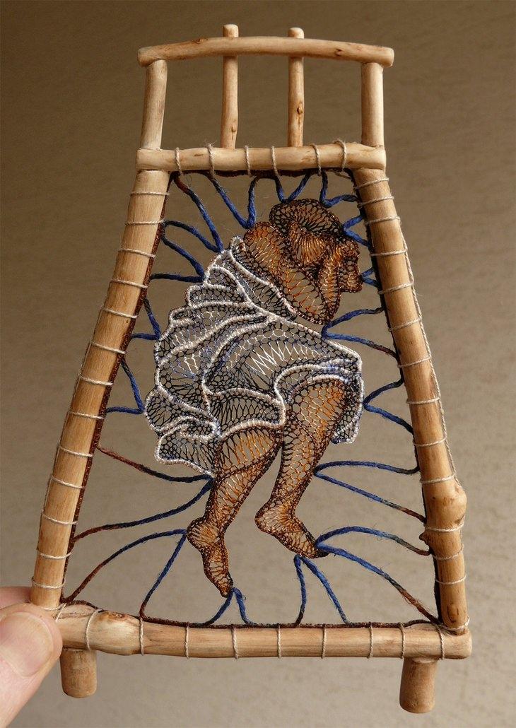 פסלי התחרה של אגנש הרצג: פסל של אישה שוכבת