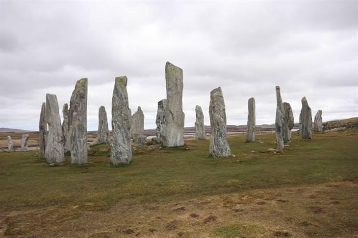 מקומות שאתם לא מכירים בעולם: האבנים העומדות בקלניש