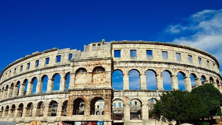 מקומות שאתם לא מכירים בעולם: האמפיתיאטרון הרומי בפולה