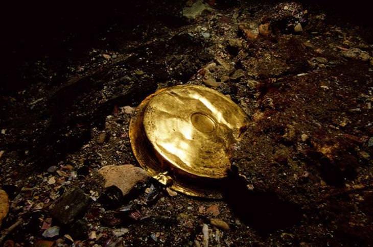 העיר האבודה הרקליון: חפץ מזהב שנמצא בתחתית הים