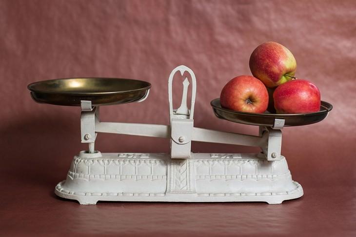 סיבות לעלייה במשקל: תפוחים על משקל ישן