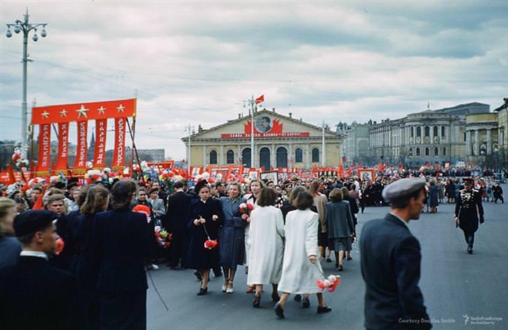 תמונות מרוסיה הסובייטית: עצרת לקבלת אורחים מסין