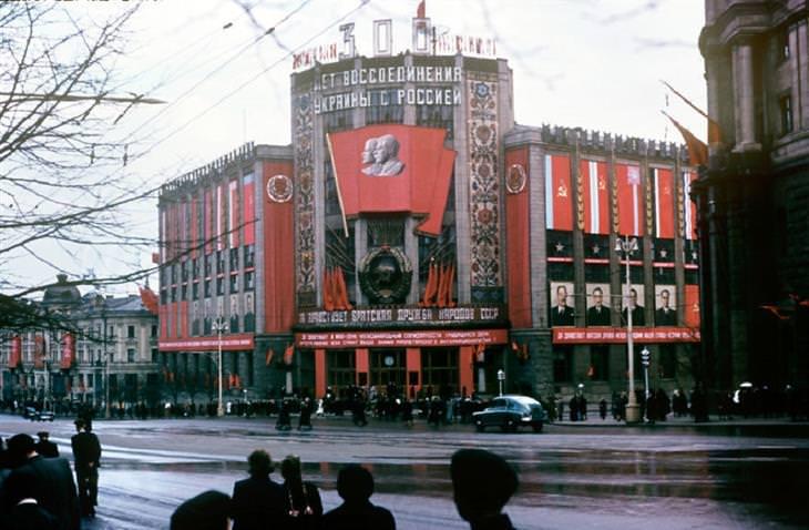 תמונות מרוסיה הסובייטית: בניין הטלגרף המרכזי במוסקבה